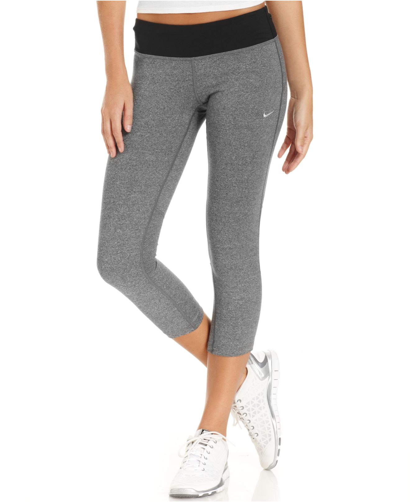 Nike Epic Run Capri Leggings in Gray | Lyst