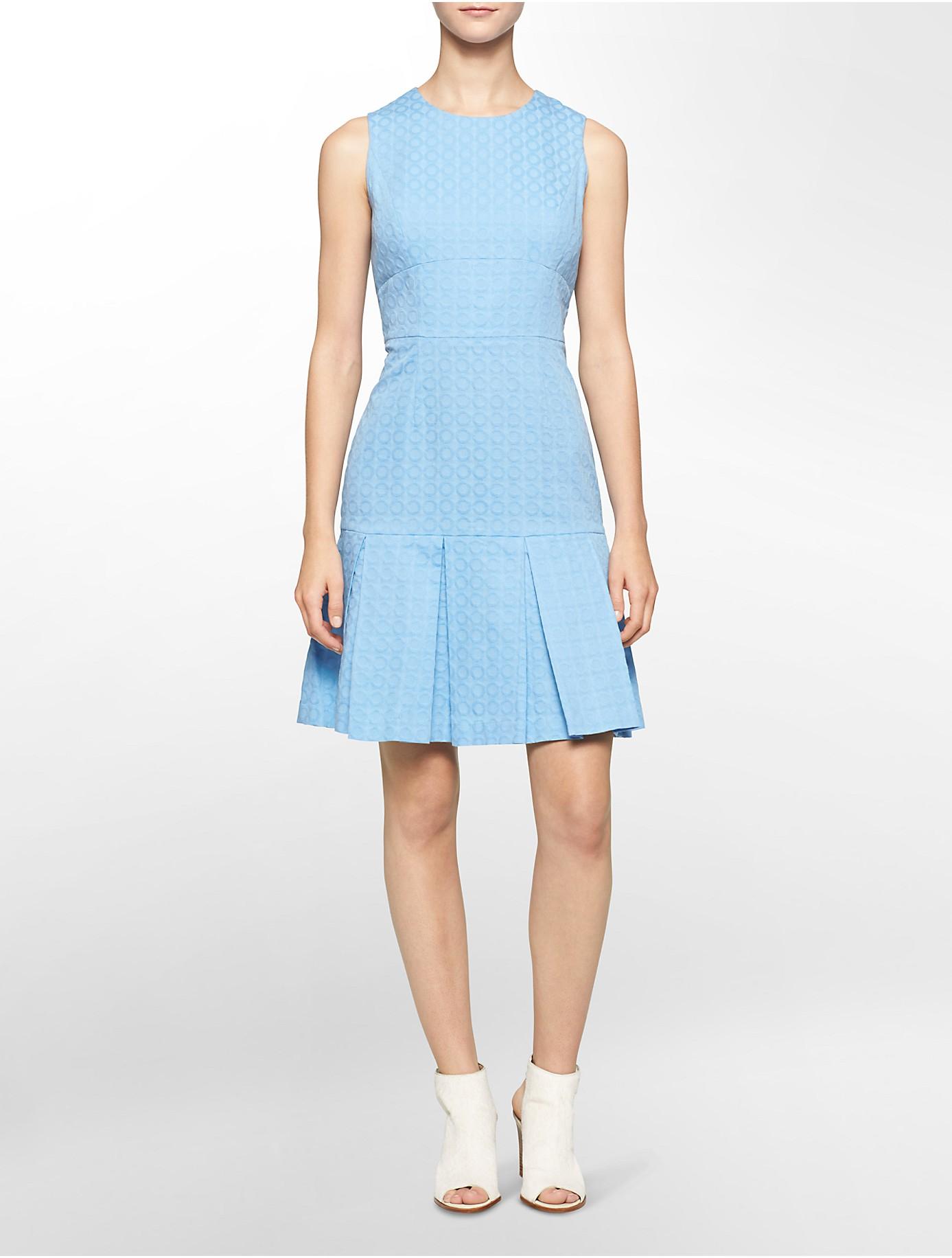 Calvin Klein White Label Textured Pleated Sleeveless Fit