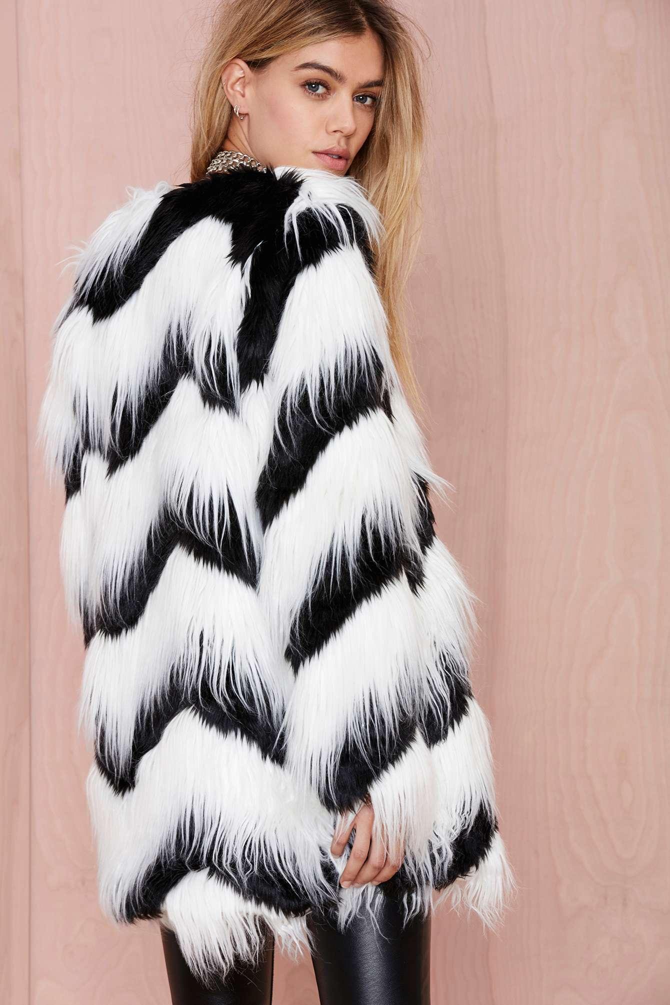 Nasty gal Glamorous Sass Master Faux Fur Coat in White | Lyst