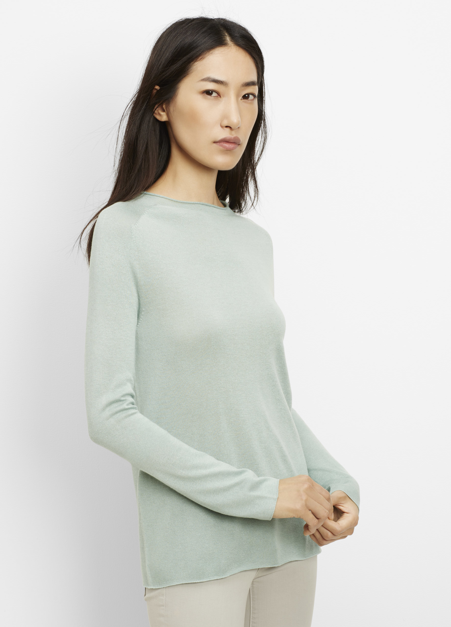 Vince Silk Cashmere Rolled Seam Funnel Neck Sweater in Green | Lyst