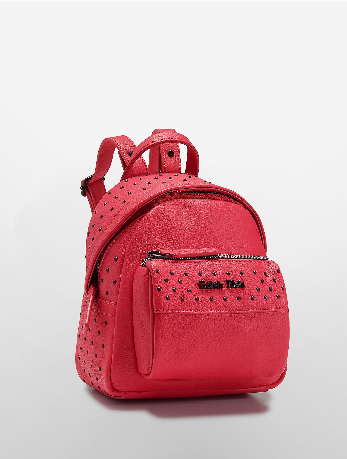 foto de Calvin Klein White Label Hailey Studio Backpack in Pink - Lyst