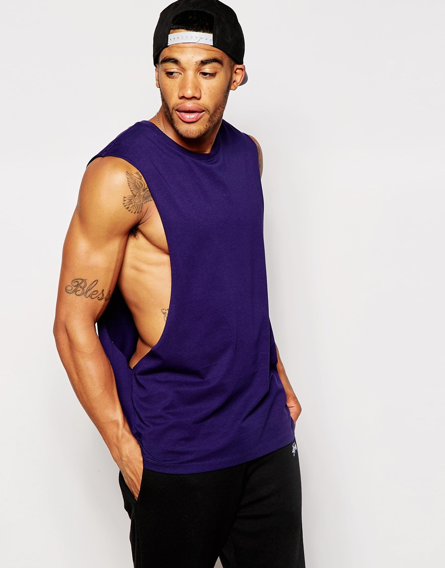 Men's Sleeveless & Tank Tops (79 Items) Sleeveless tank tops are a staple in every man's and young man's closet. These simple, almost boring tops are among the most versatile and comfortable pieces one can have in their wardrobe, and they certainly come in handy in a wide variety of situations.