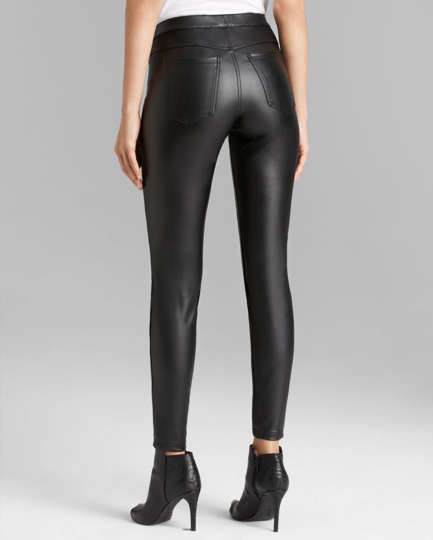 Hue Leatherette Leggings in Black