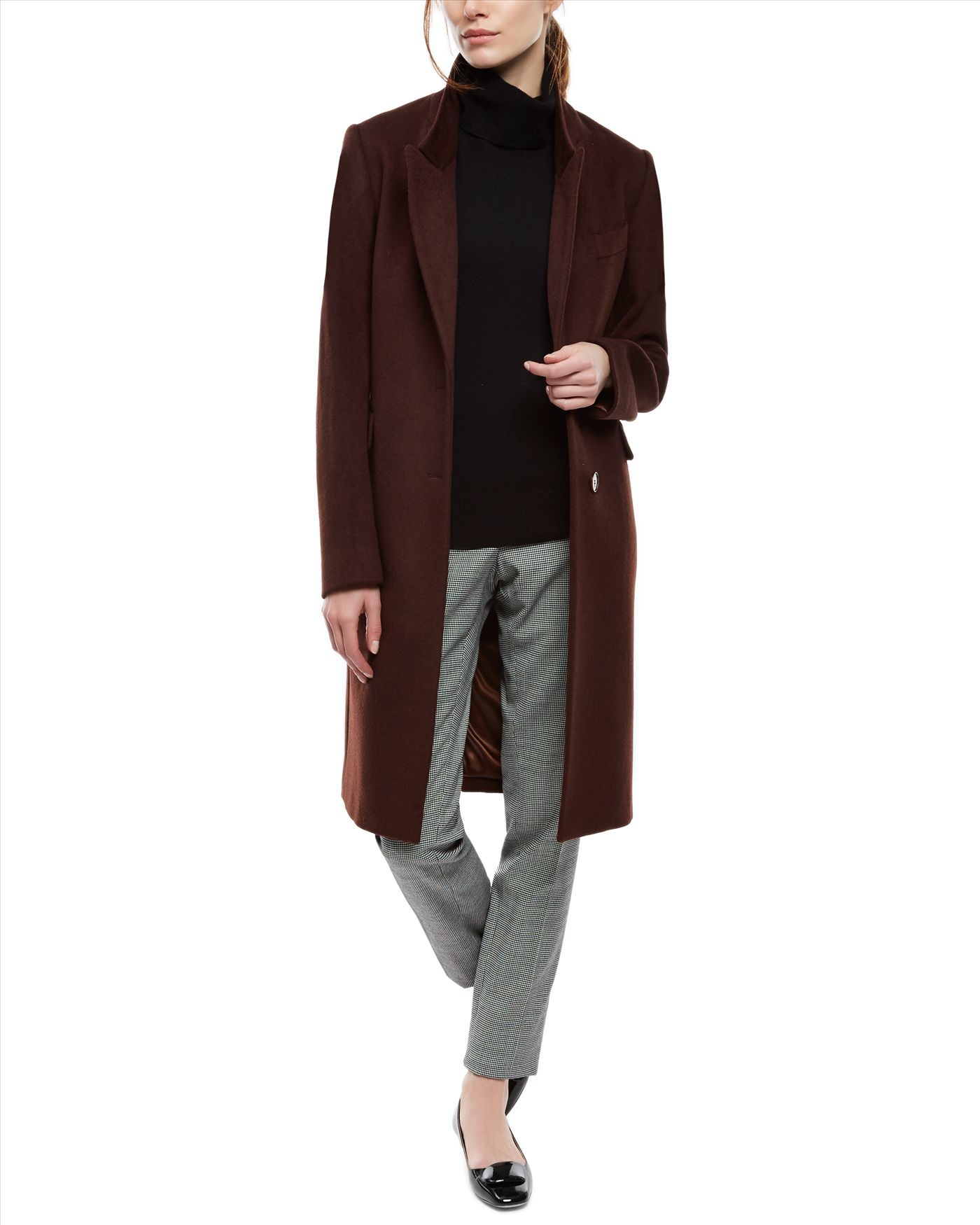 Find and save ideas about Boyfriend coat on Pinterest. | See more ideas about Winter sweater dresses, Minimal chic and Designer winter coats. Women's fashion. Boyfriend coat; Boyfriend coat Baggy grey/ brown jacket with black collar + black skinny jeans, brogues and white top So into big coats! Doutzen Kroes out & about while keeping it.