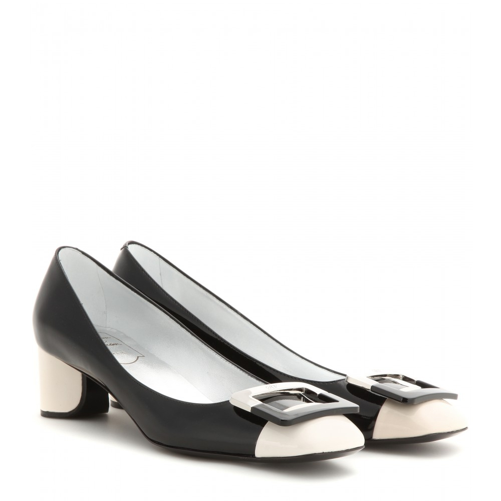0b3536cedb Roger Vivier Decollete U Patent Leather Pumps in Black - Lyst