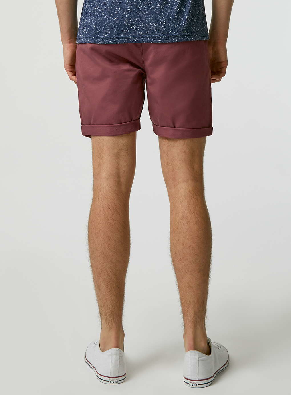 The Crimson red Chino Shorts is a must-see from our latest Men's collection and is available to buy online at GANT USA.