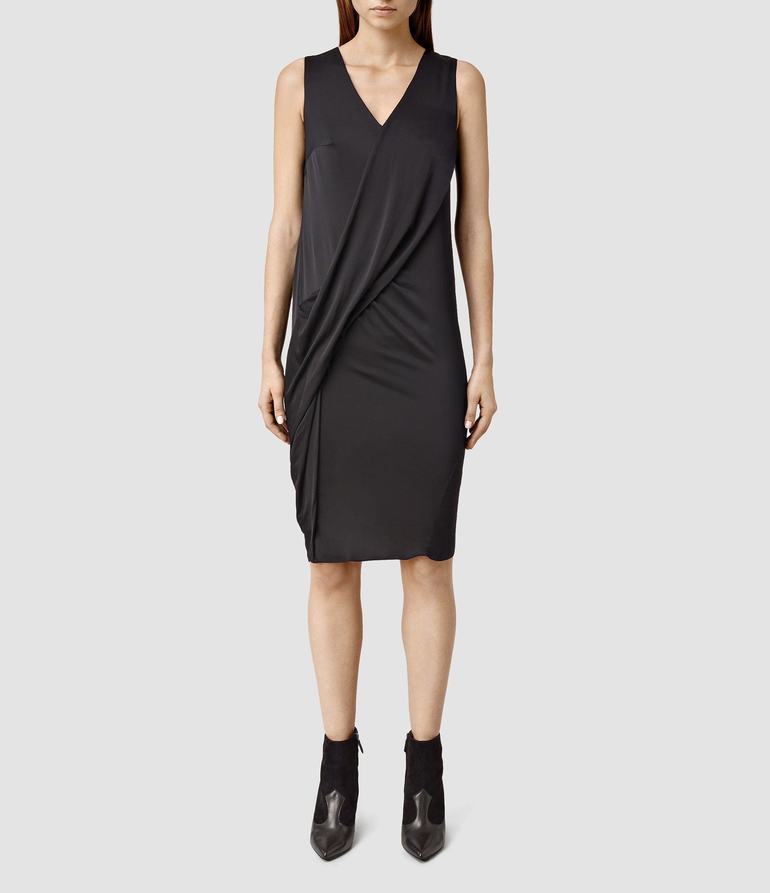 All Saints is a very popular choice among shoppers now and we know that the company often hosts events such as the All Saints Uk Sale with 30, 40% or even 50% off for Women and Men.