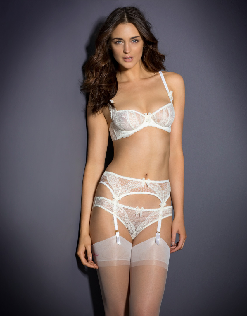 50d170e8ed AGENT PROVOCATEUR IYLA SUSPENDER IVORY SIZE SMALL   AP2   8-10 BNWT