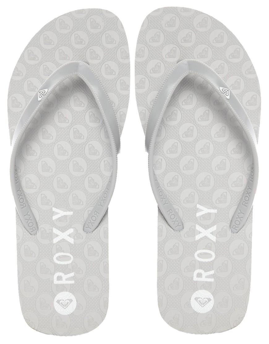Roxy Bamy Silver Flip Flops In Gray - Lyst-2124