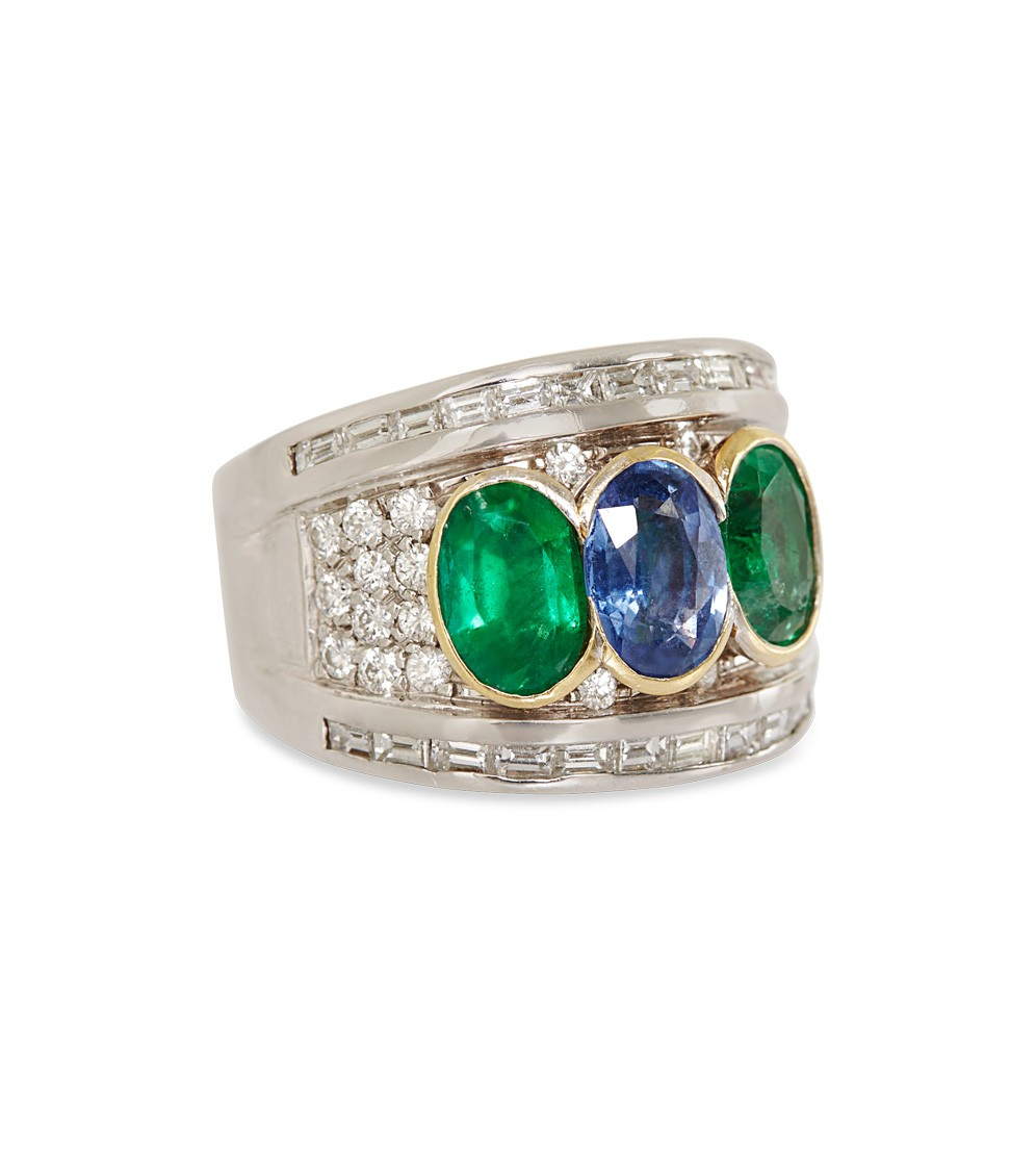 shay emerald and sapphire ring in metallic lyst