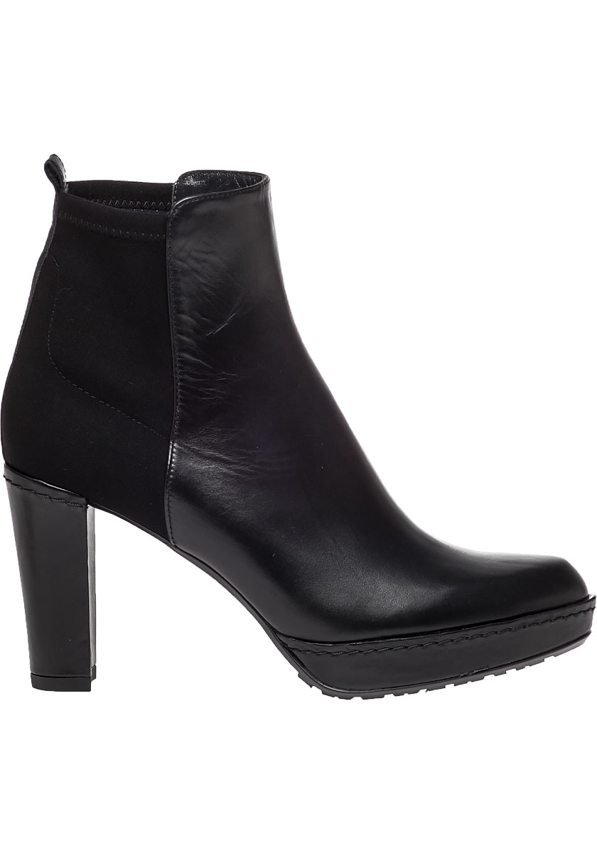 Stuart Weitzman Otherhalf Leather Ankle Boots In Black Lyst