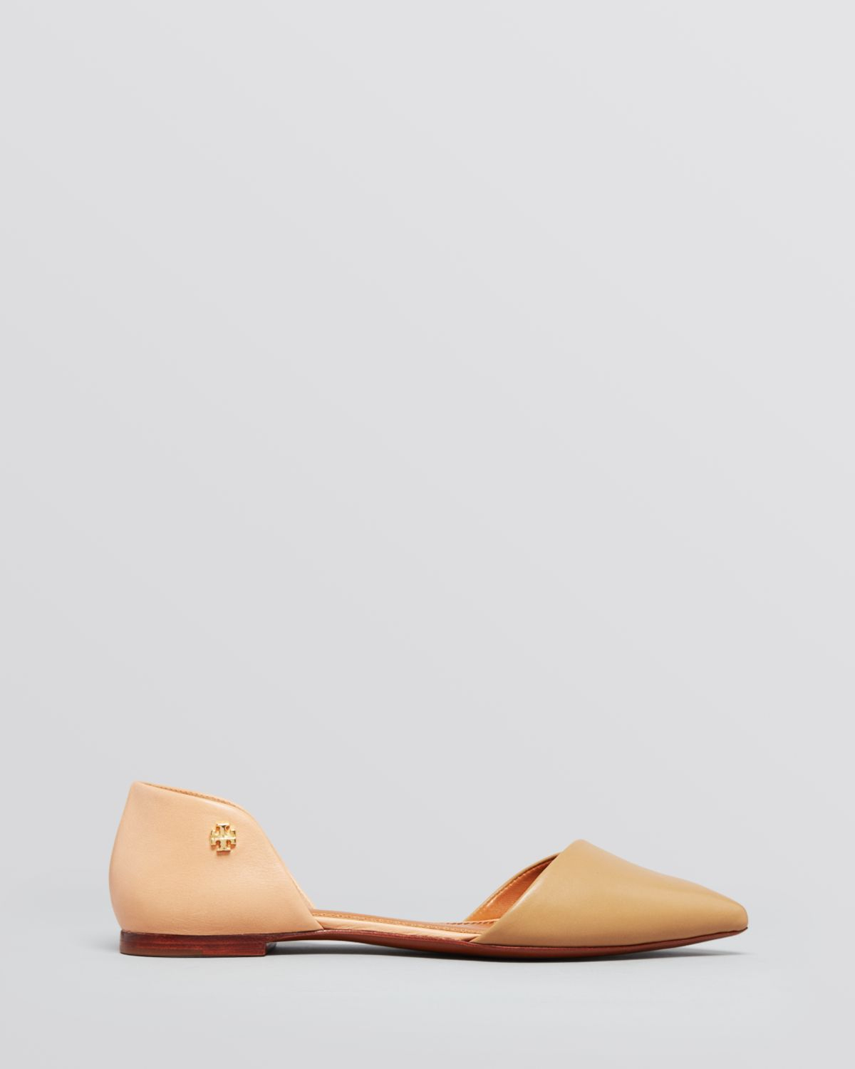 98cc3477f1c3 Lyst - Tory Burch Pointed Toe Flats Viv Dorsay in Natural