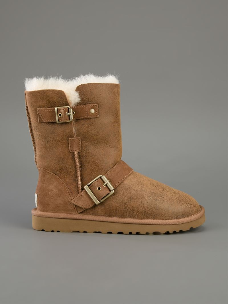 UGG 'classic Short Dylyn' Boot in Brown