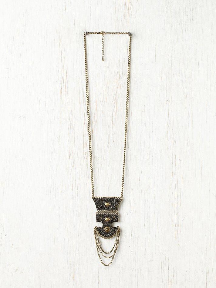 Free People Asura Tribal Necklace in Brass (Metallic)