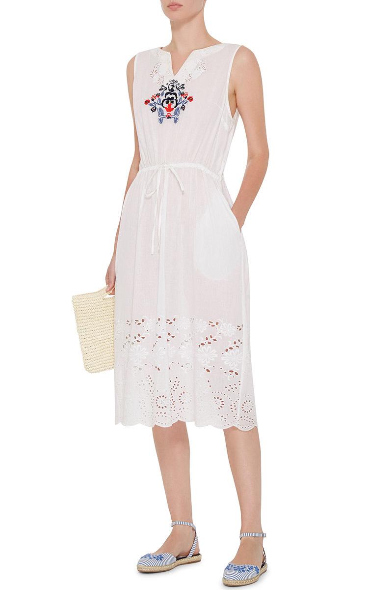 Embroidery on white dress makaroka