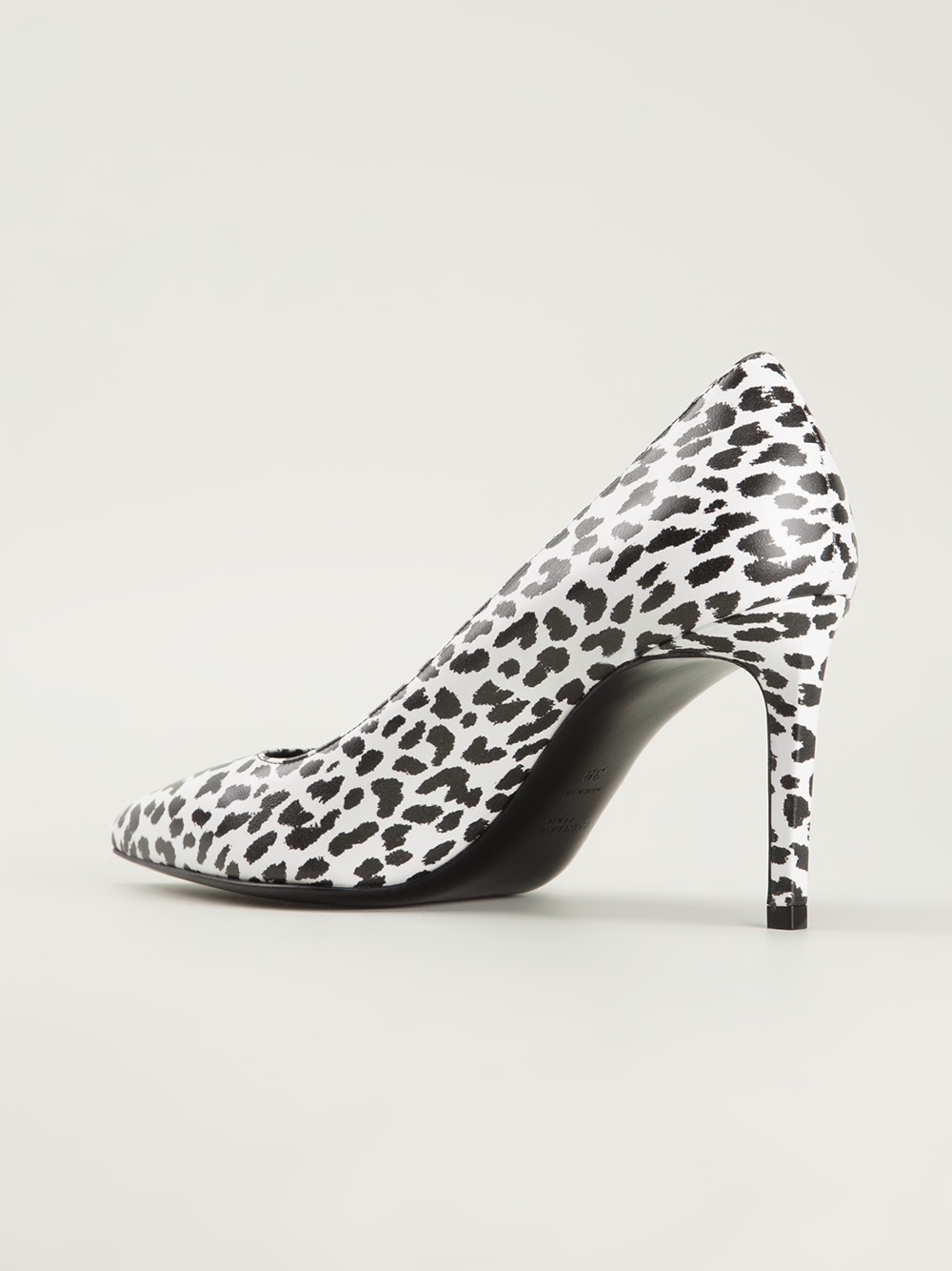 Find black and white leopard print shoes at ShopStyle. Shop the latest collection of black and white leopard print shoes from the most popular stores.