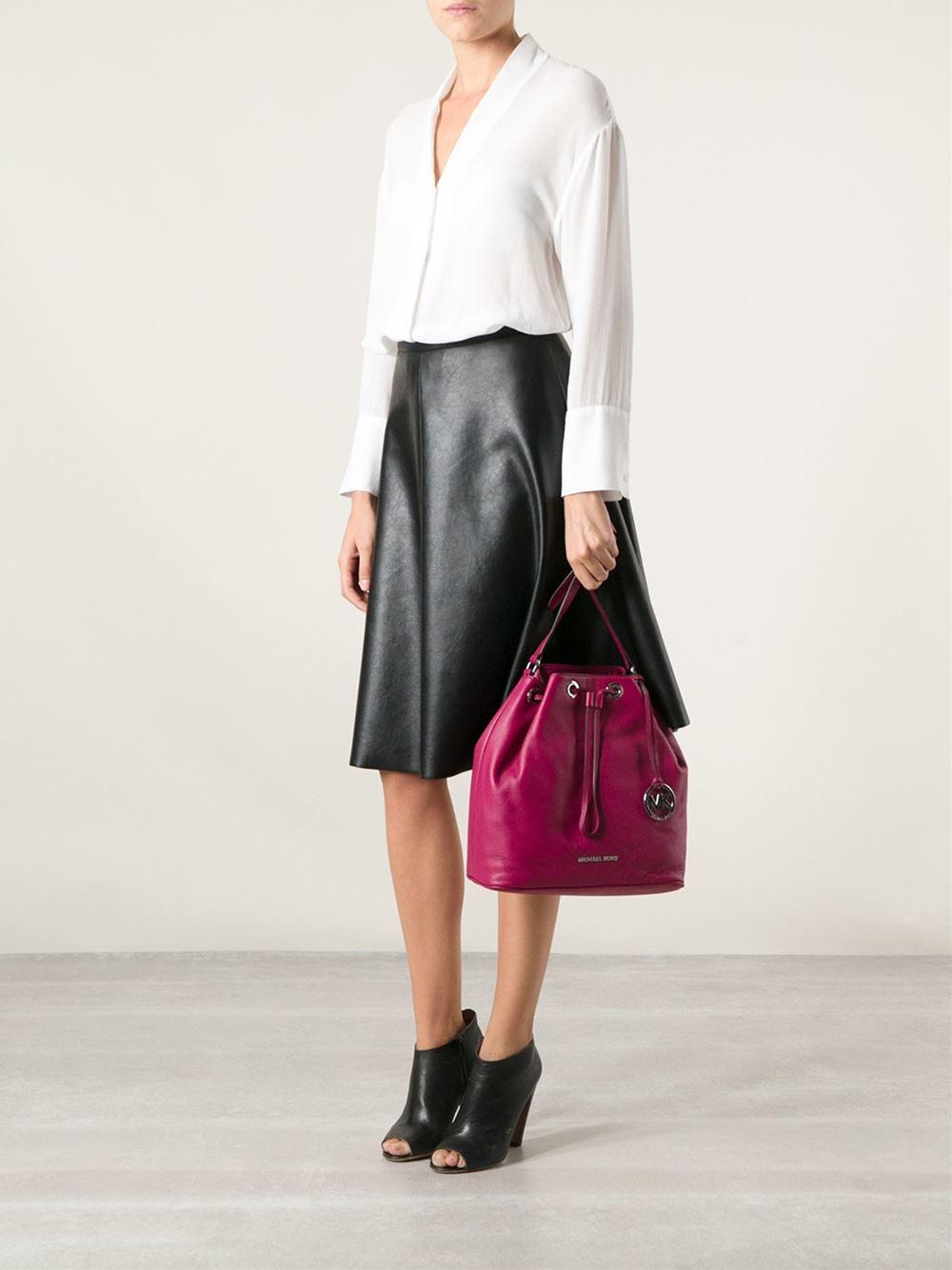 Michael Kors Jules Large Drawstring Shoulder Bag Violet