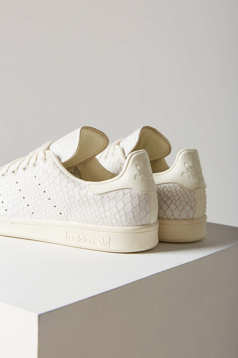 cheaper 5df2e 8e279 Adidas Originals White Stan Smith Croc-Embossed Leather Low-Top Sneakers