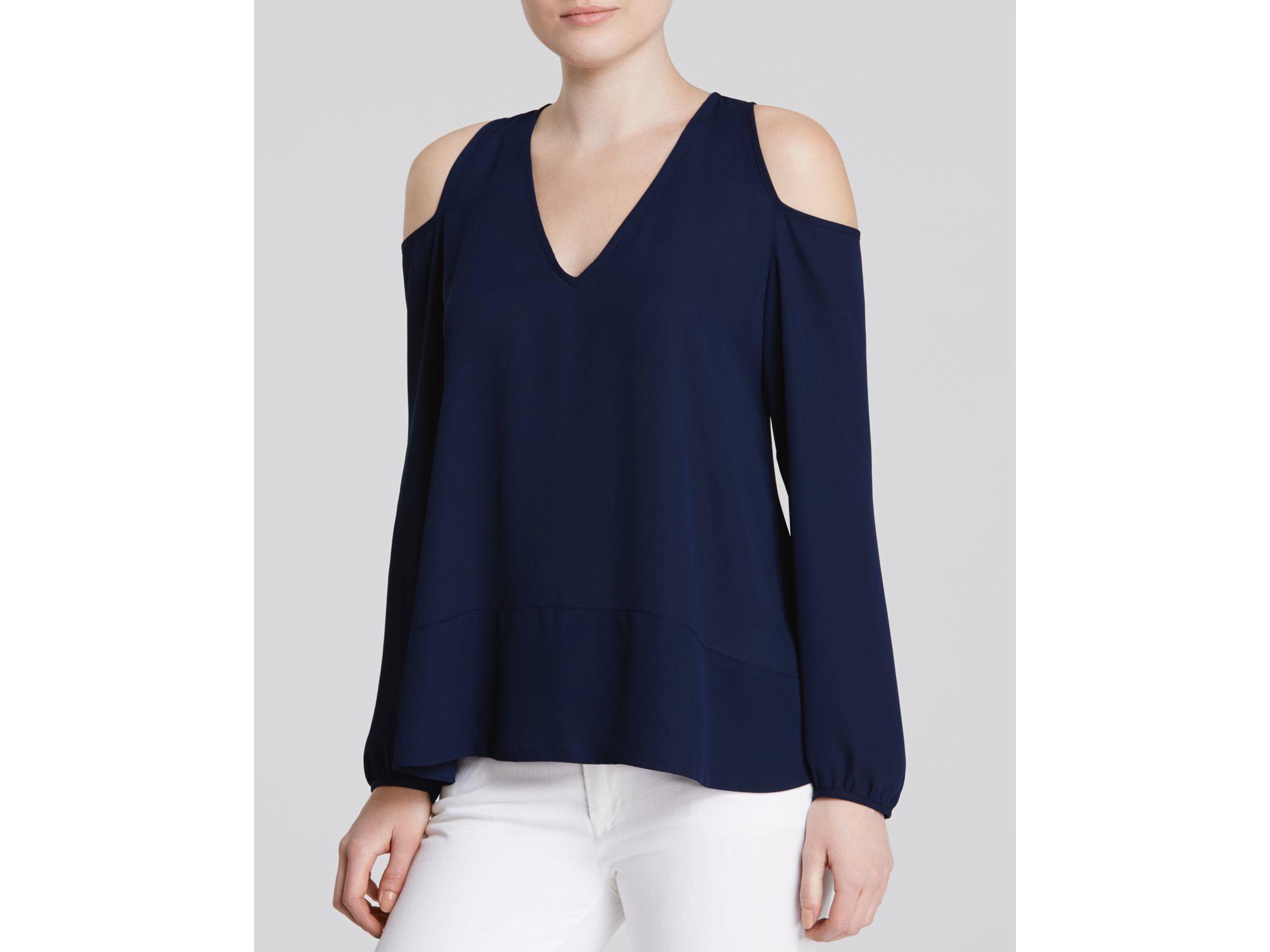 76e6b18286c730 Lyst - Aqua Cold Shoulder V-neck Top in Blue