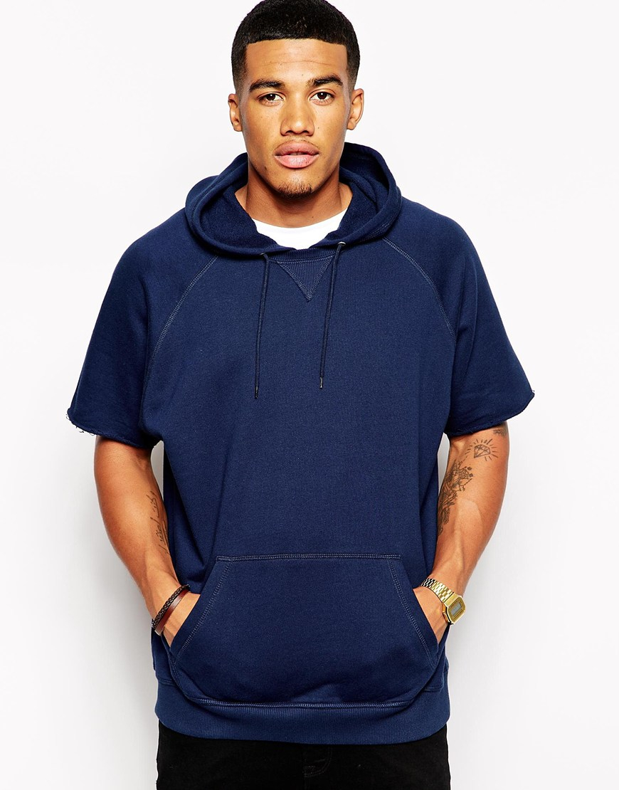 Find Short Sleeve Men's Hoodies & Sweatshirts in a variety of colors and styles from zippered hoodies and pullover hoodies to comfy fleece crewneck sweatshirts.