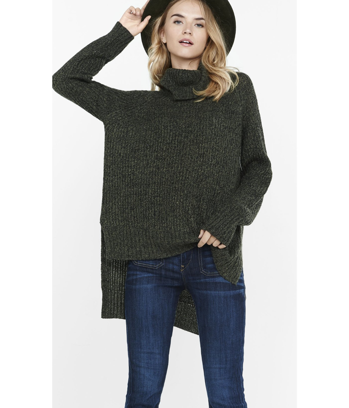 Express Marled Extreme Hi-lo Hem Turtleneck Sweater in Green | Lyst