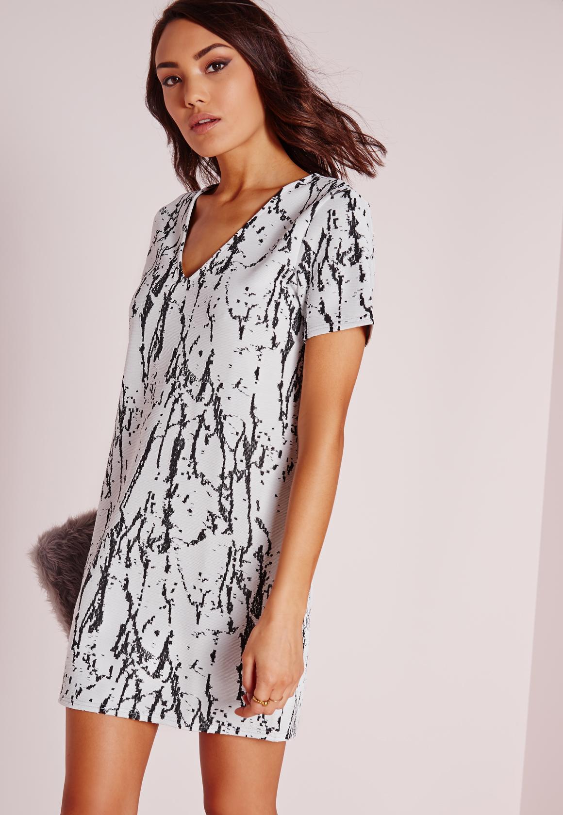 3106abd8b7e1 Lyst - Missguided Plunge Short Sleeve Knitted Shift Dress White ...