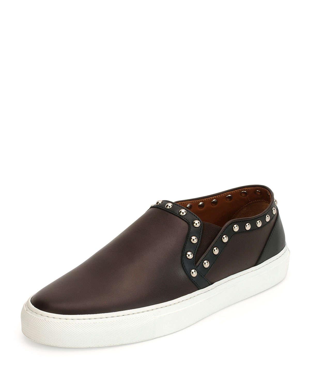 All Black Skate Shoe Brown Sole