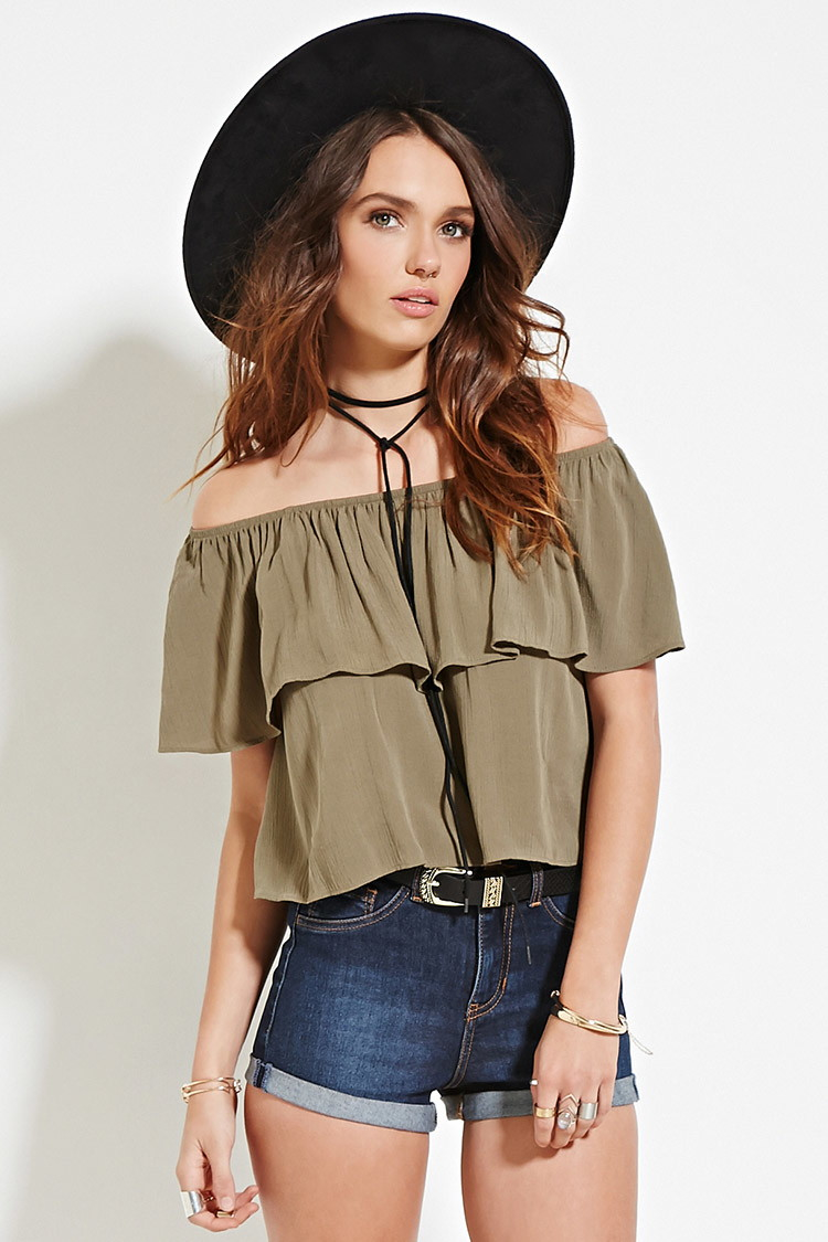 8240b6cb148 Forever 21 Crinkled Off-the-shoulder Top in Green - Lyst