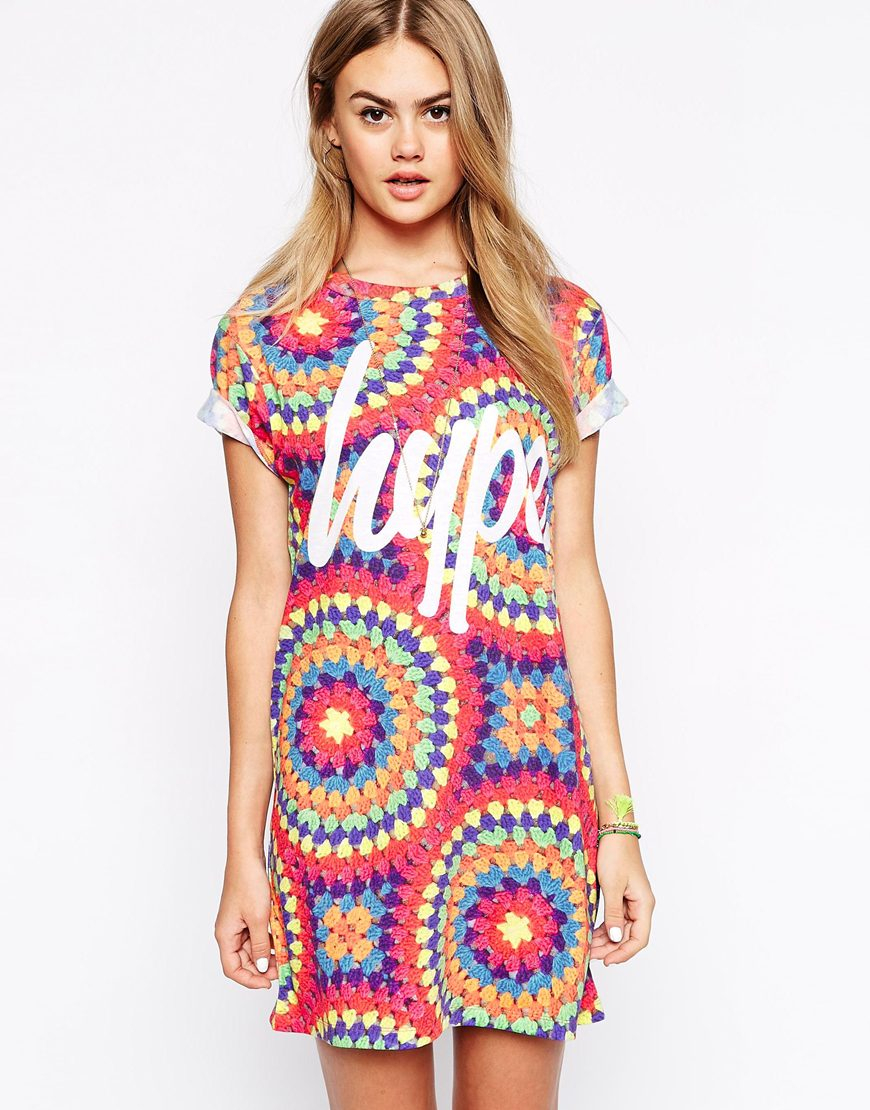 Lyst - Hype T-shirt Dress In Crochet Festival Print With Front Logo