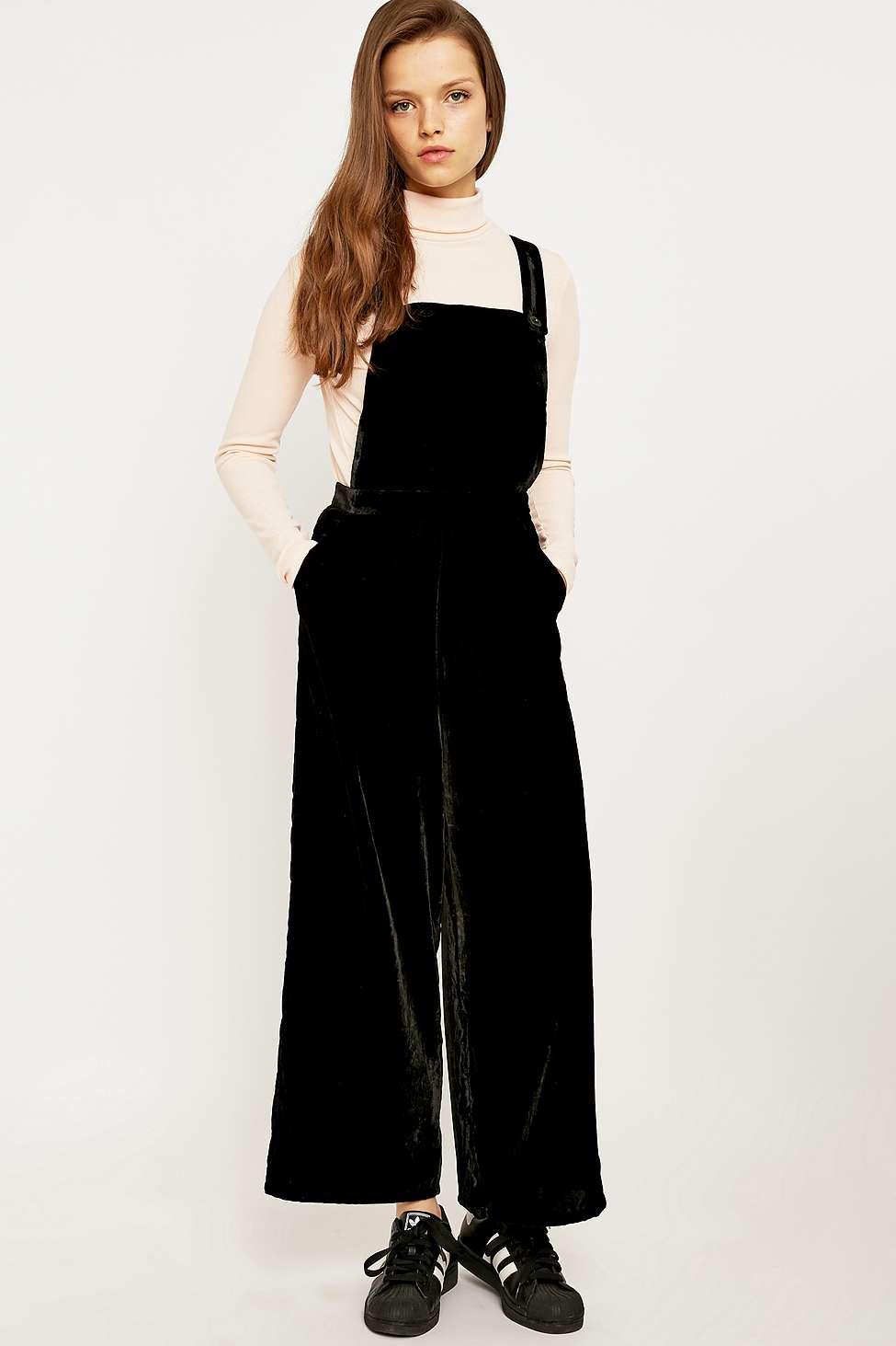 2d3ec6a9d3c Urban Outfitters Velvet Pinafore Jumpsuit in Black - Lyst