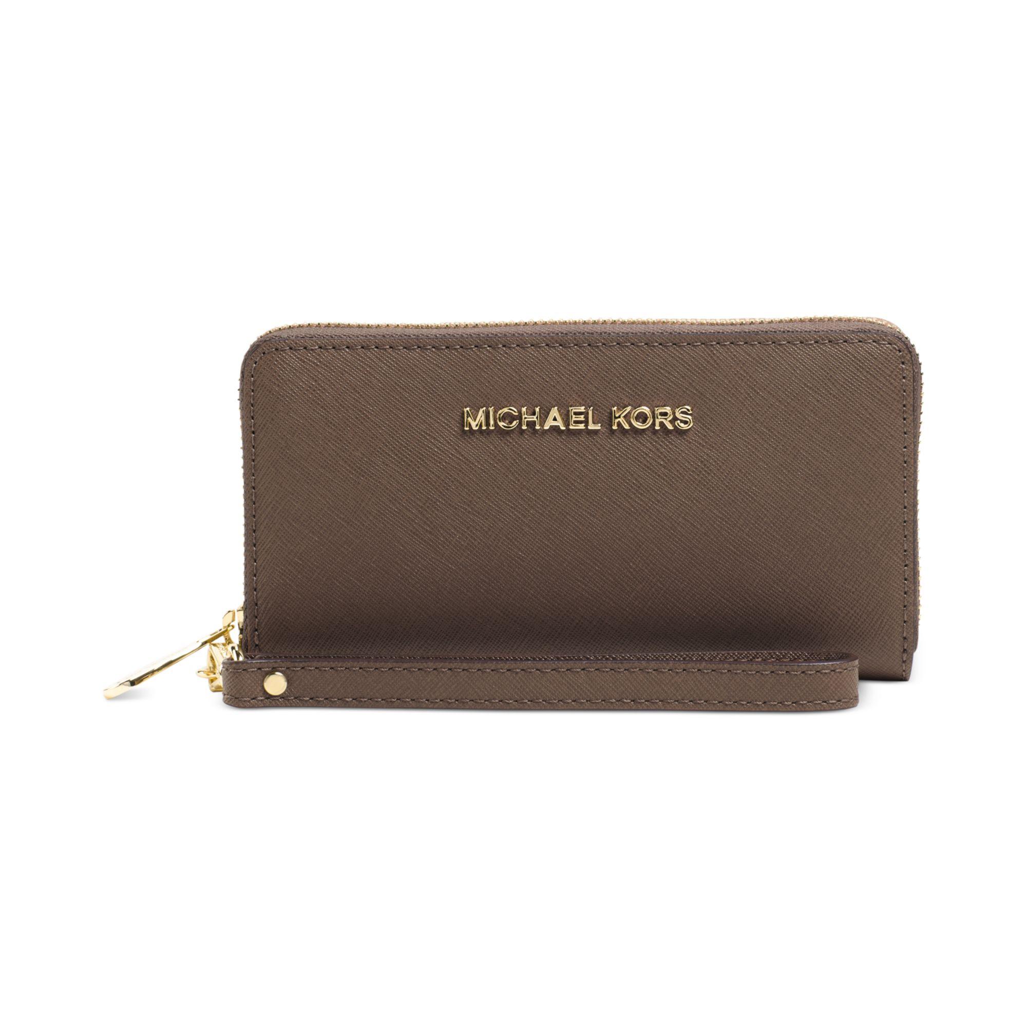 official photos 99607 9dc3a Michael Kors Brown Michael Jet Set Travel Large Coin Multifunction Phone  Case