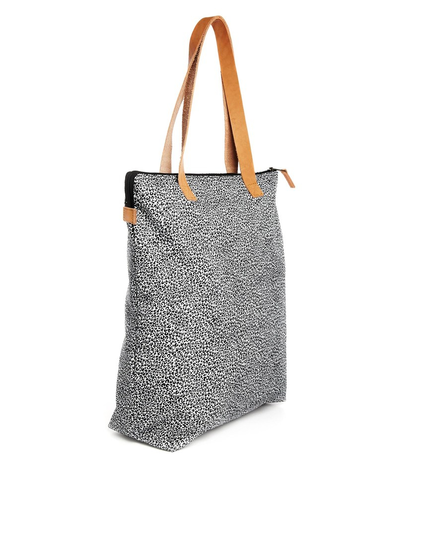 Lyst - Eastpak Soukie Shopper Bag with Leather Trim in Gray 5e4d8cfba7