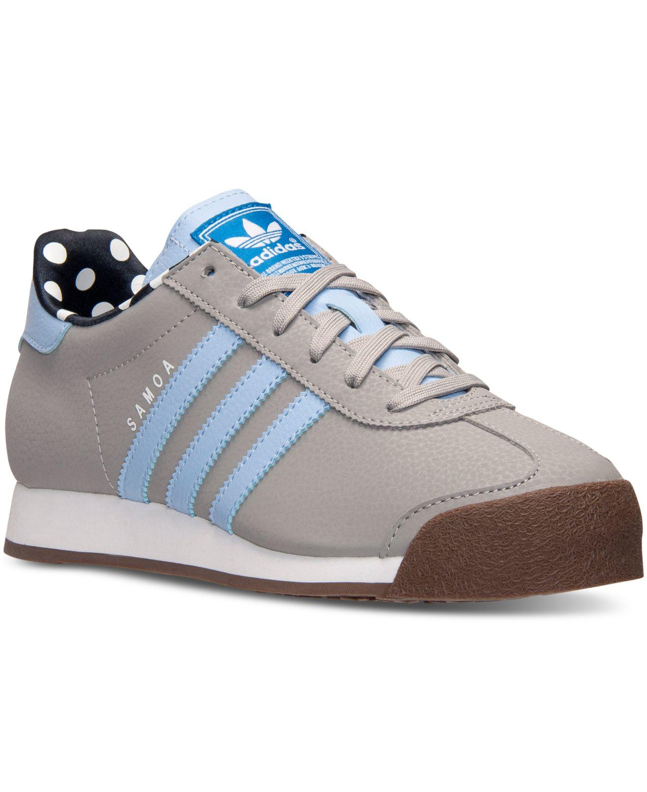 lyst adidas le samoa casual scarpe da traguardo in grigio.