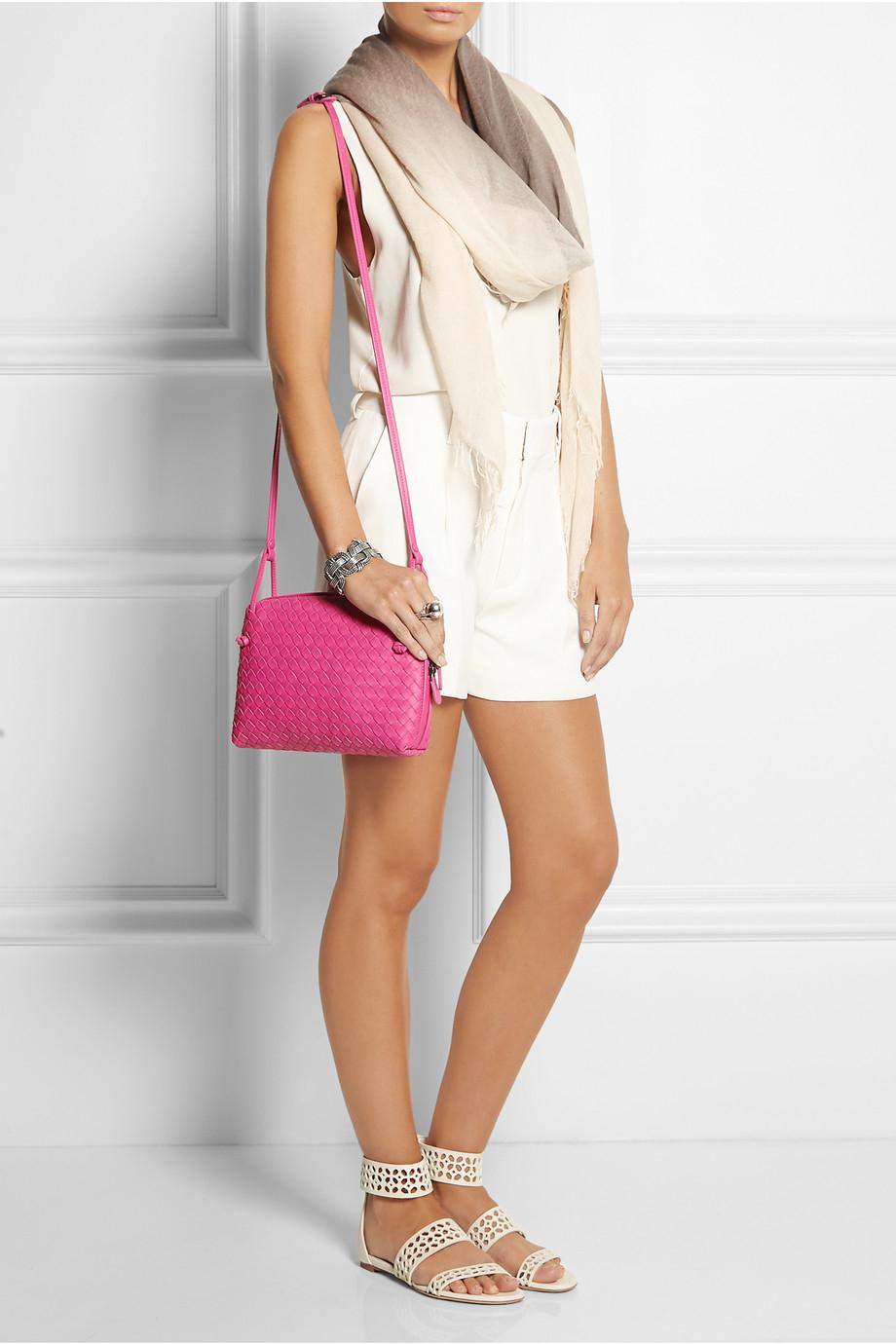 58f583394fa4 Bottega Veneta Messenger Intrecciato Leather Shoulder Bag in Pink - Lyst