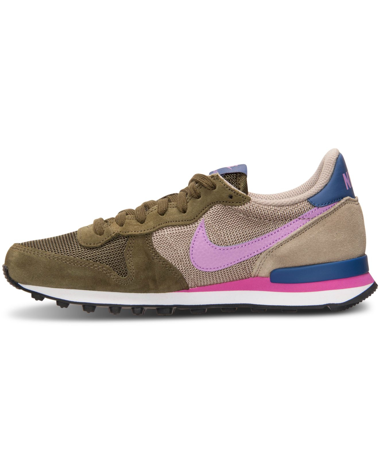 chs sports shoes 28 images nike s internationalist