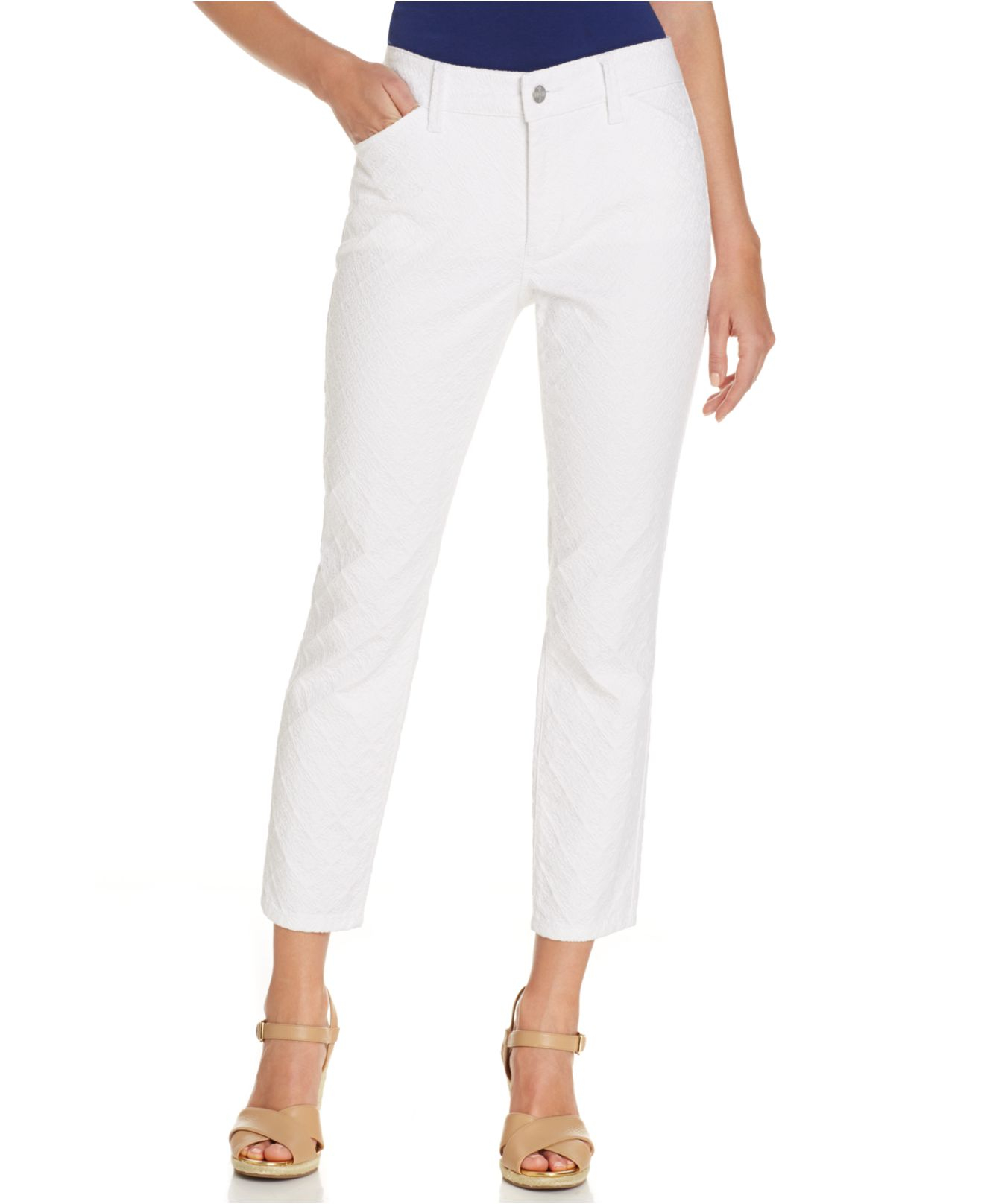 Shop petite jeans in a variety of styles from White House Black Market. Proportioned to fit you perfectly. Free shipping & returns on all full price petite styles.
