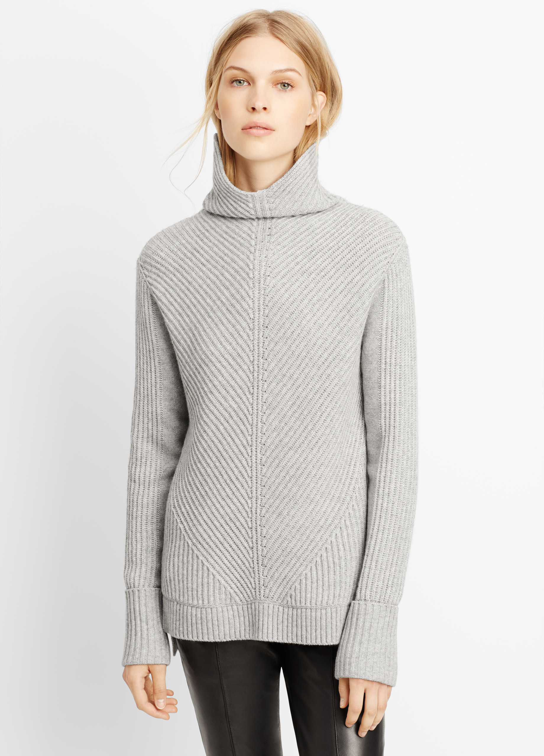 2218a63762 Vince Wool Cashmere Directional Rib Turtleneck Sweater in Gray - Lyst