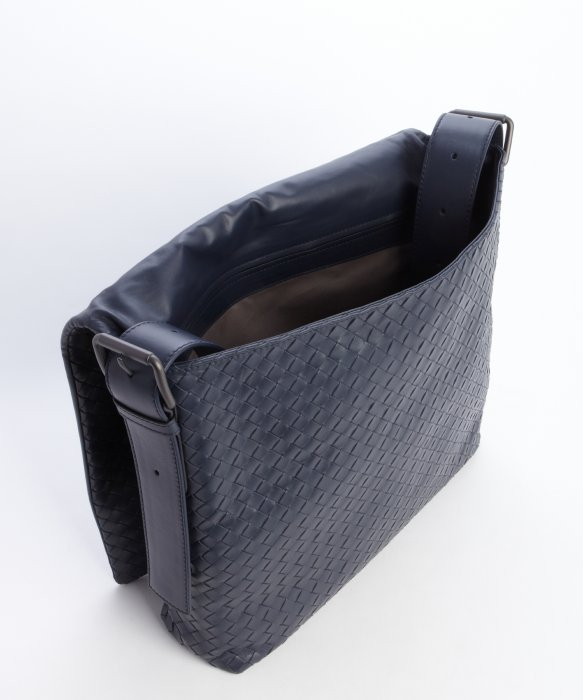 710b62de61fa Bottega Veneta Navy Intrecciato Leather Messenger Bag in Blue for ...