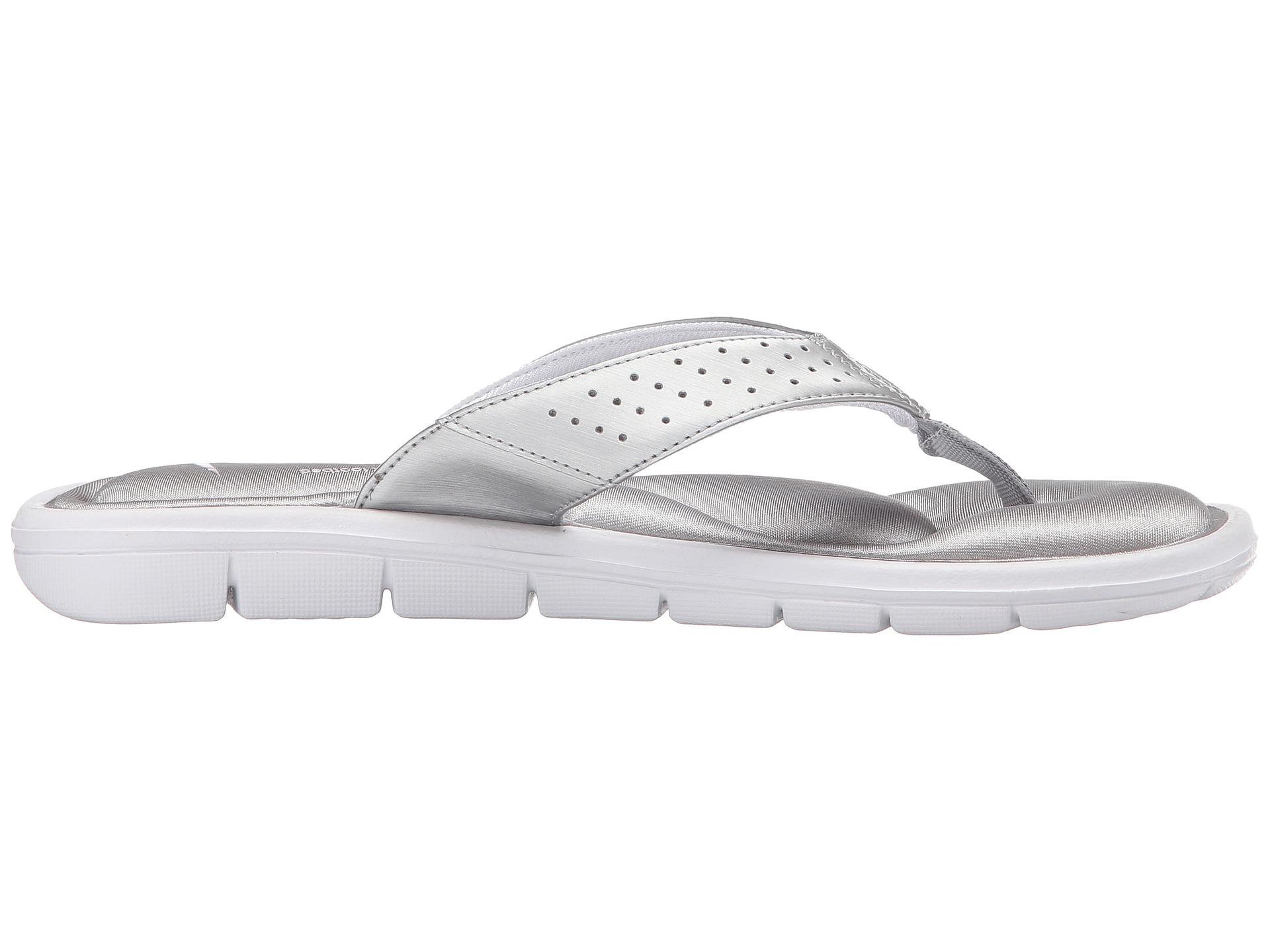 Lyst Nike Comfort Thong In Metallic