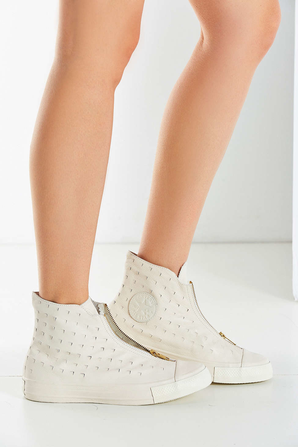 Converse Canvas Chuck Taylor All Star Shroud Sneaker in White - Lyst
