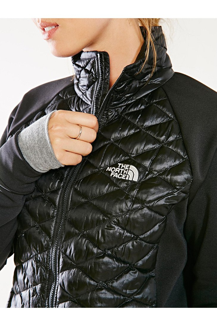 93cbb77e5 The North Face Black Momentum Thermoball Hybrid Jacket