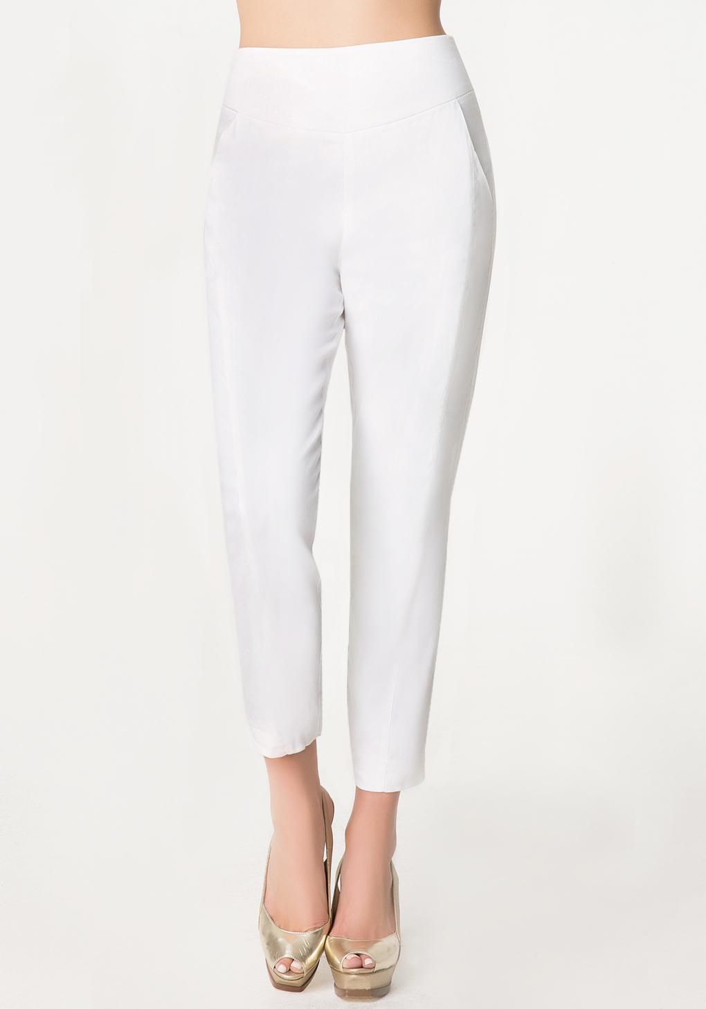 Bebe Tami Skinny Capri Pants in White | Lyst