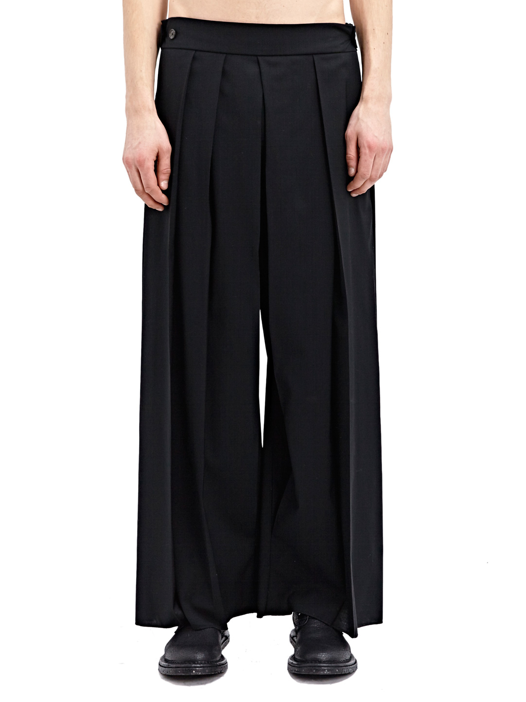 Daniel Ellissa men's wide leg double pleated pants with triple closure and cuffed bottoms. These fashionable pants come in an ultrasoft microfiber finish available in 10 solid colors. Wide leg pants with 22 inch cuffed bottom. Pants come lined to the knee96%(56).