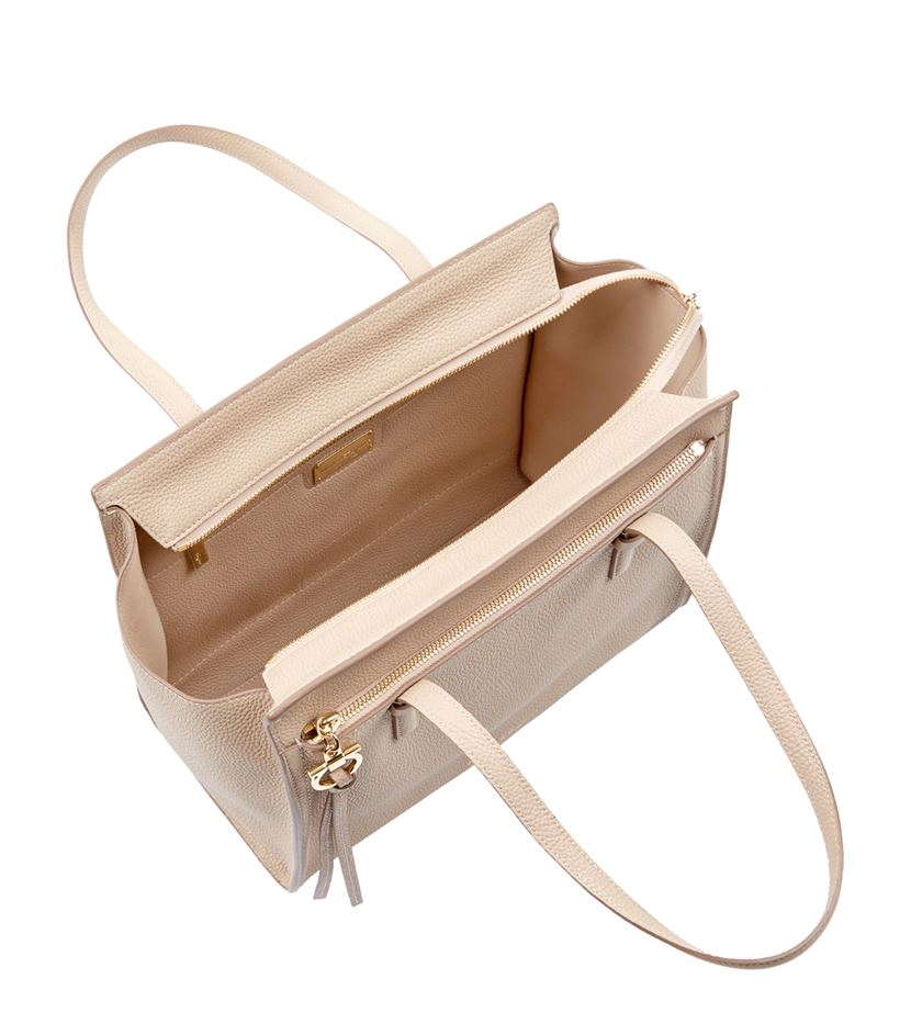 Ferragamo Medium Amy Grain Tote in Natural