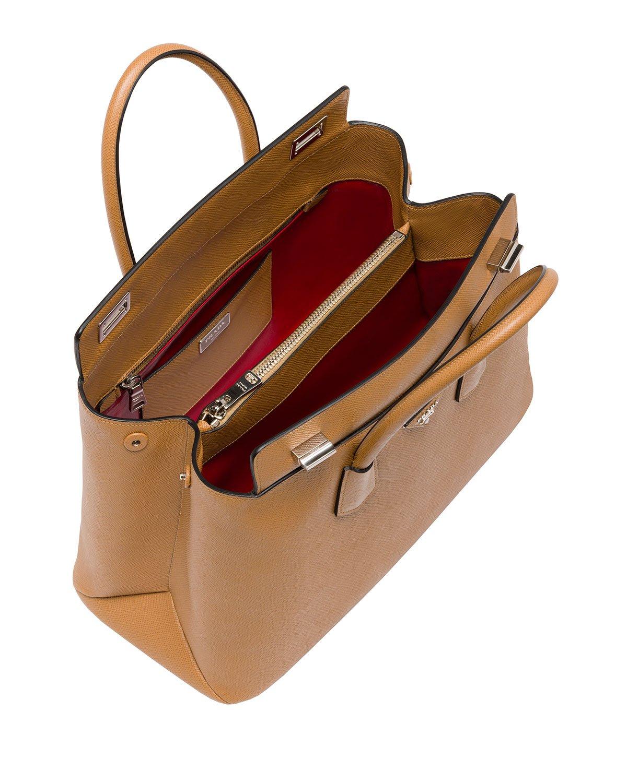 6740bc60eccb Gallery. Previously sold at: Bergdorf Goodman · Women's Prada Saffiano Cuir  Women's Shopper Bags ...