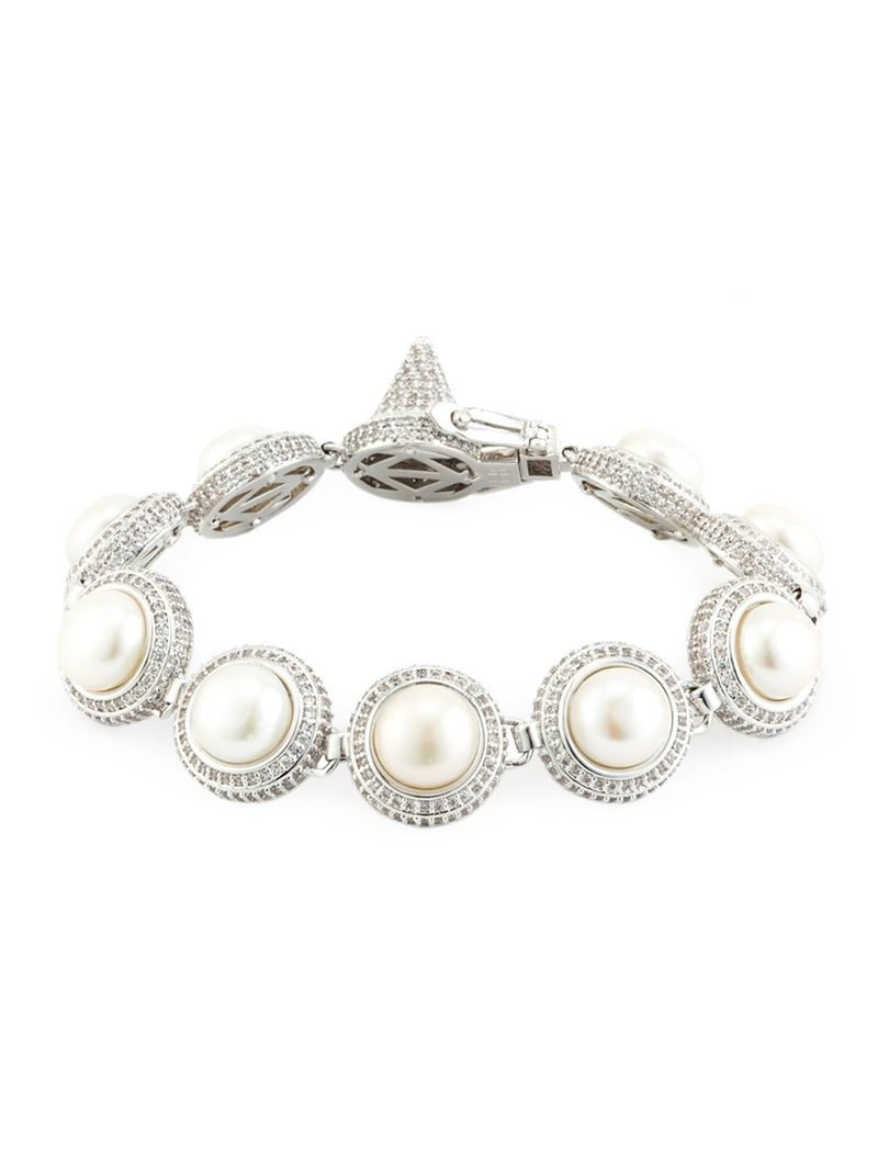 eddie borgo pearl dome bracelet in metallic lyst