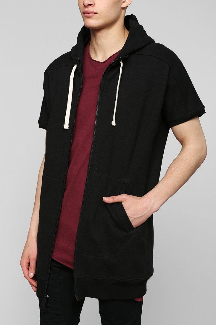 Short hoodie