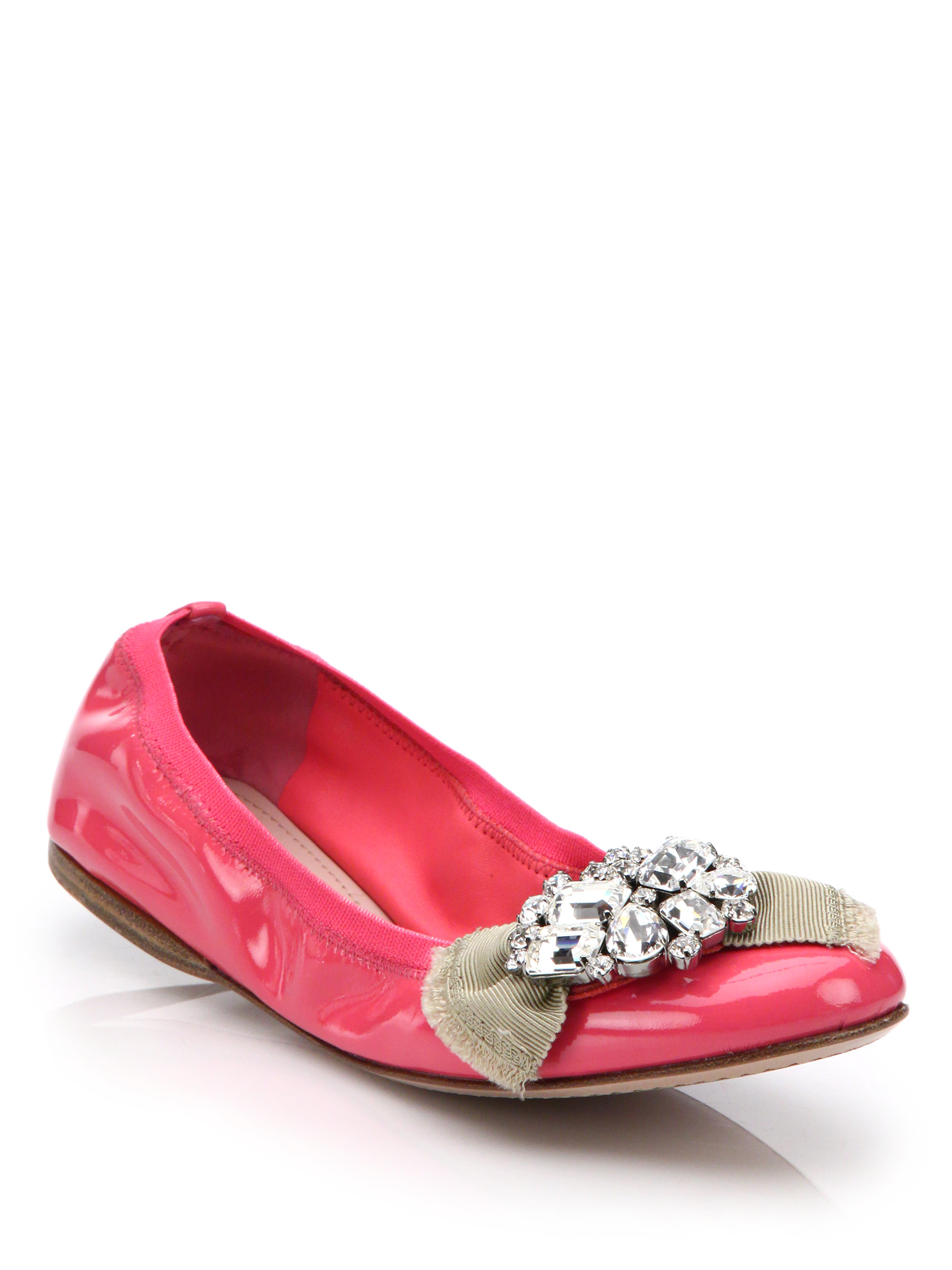 838261d08fef7 Miu Miu Embellished Patent-Leather Ballet Flats in Pink - Lyst