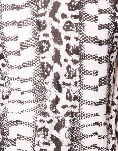 Snake Print t Shirt T-shirt With Snake Print