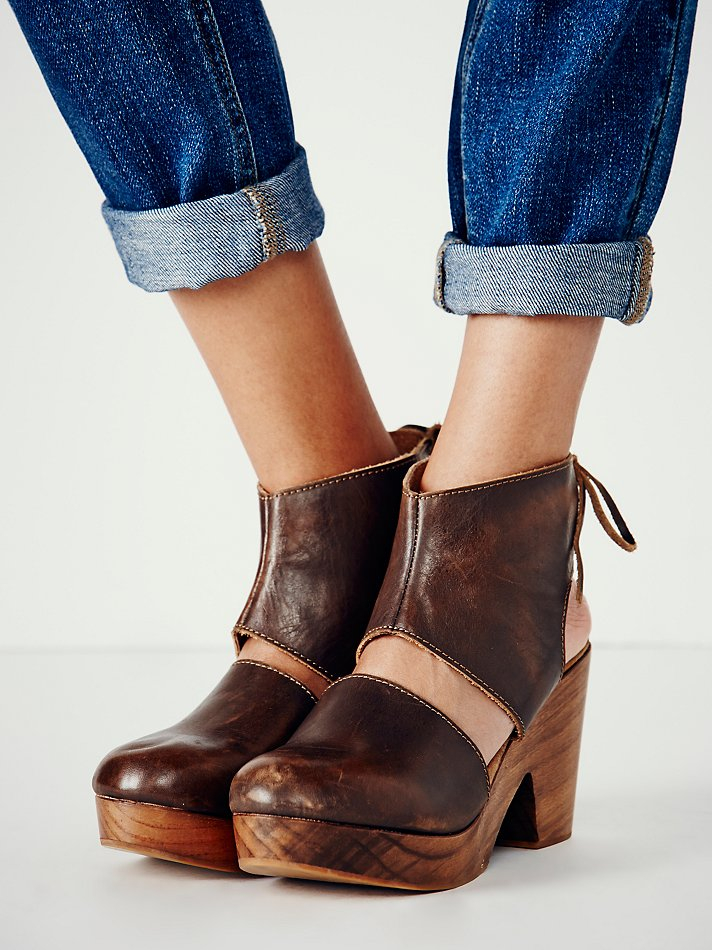 Free People Womens Desert Gold Clog In Brown Lyst